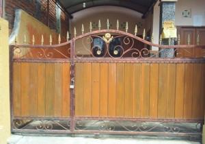 pintu-pagar-besi-bali-1